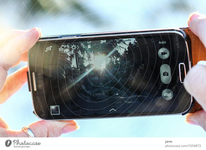 mach dir ein bild Telefon Handy Fotokamera Technik & Technologie Fortschritt Zukunft High-Tech Telekommunikation Finger Natur Landschaft Sonne Sonnenlicht
