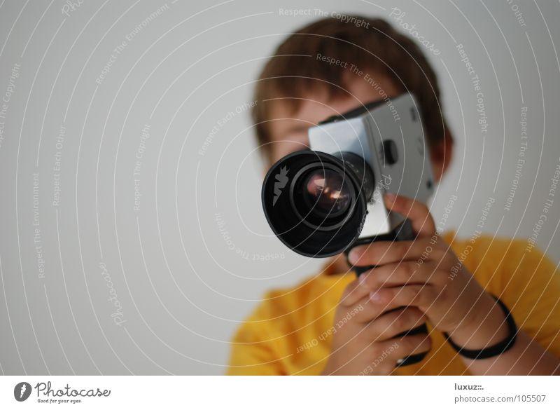Klappe - die Zweite schön gelb Stil Kunst Filmmaterial Filmindustrie Aussicht Fernsehen Fotokamera festhalten Kino Videokamera edel Linse Fernglas Durchblick