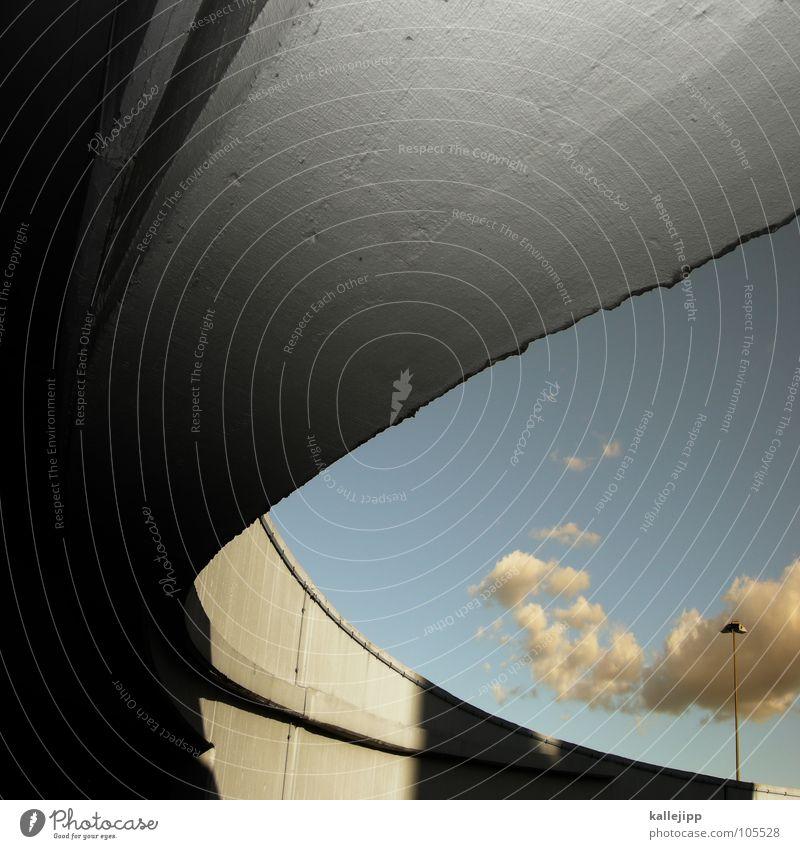 G Hochhaus Balkon Fassade Fenster Wohnanlage Stadt rund Pastellton Beton Etage Selbstmörder Raum Mieter Leben live Ghetto Sozialer Brennpunkt Feuerleiter