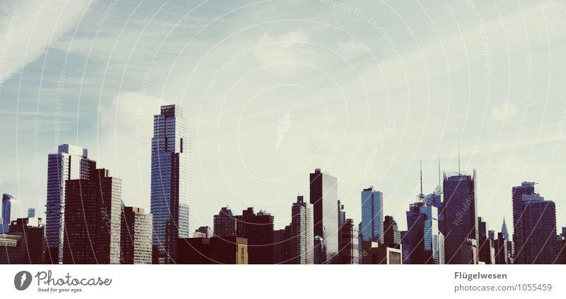 City of New York Skyline g) Ferien & Urlaub & Reisen Tourismus Ausflug Abenteuer Ferne Freiheit Sightseeing Städtereise überbevölkert Hochhaus Bauwerk Gebäude