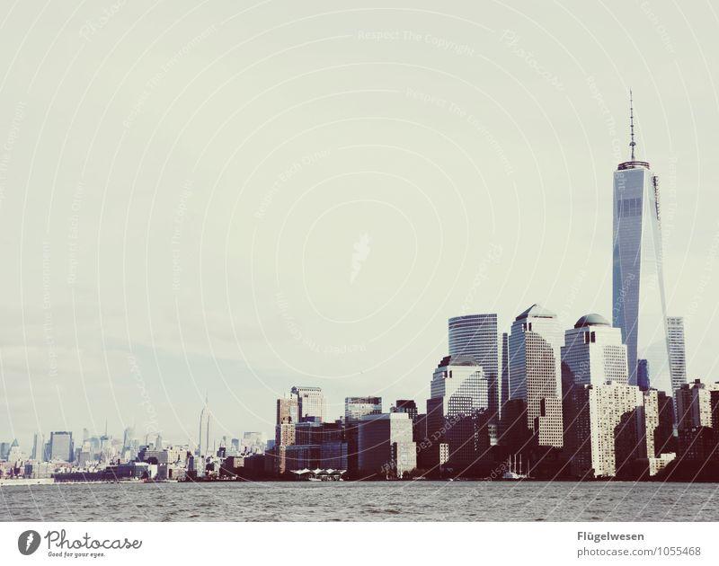City of New York Skyline k) Ferien & Urlaub & Reisen Tourismus Ausflug Abenteuer Ferne Freiheit Sightseeing Städtereise überbevölkert Hochhaus Bauwerk Gebäude