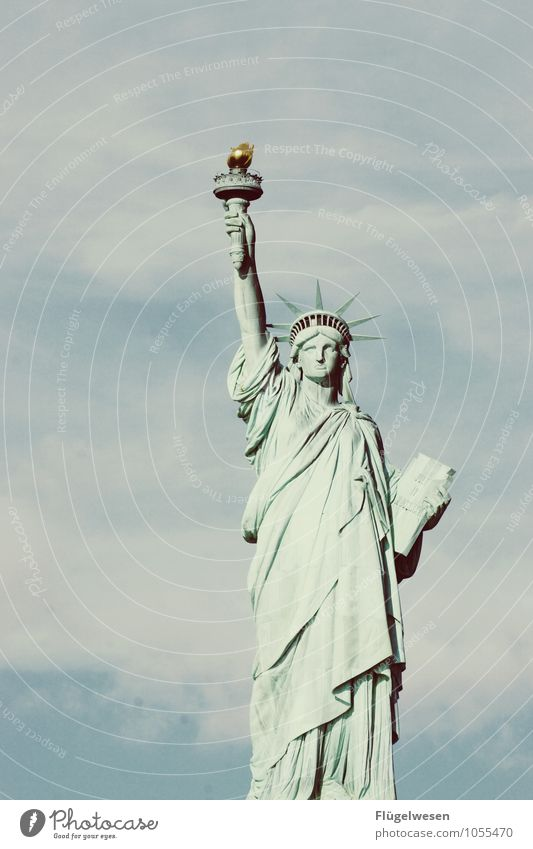 Frau v. Freiheit Ferien & Urlaub & Reisen Tourismus Ausflug Abenteuer Ferne Sightseeing Städtereise Sehenswürdigkeit Wahrzeichen Denkmal Freiheitsstatue