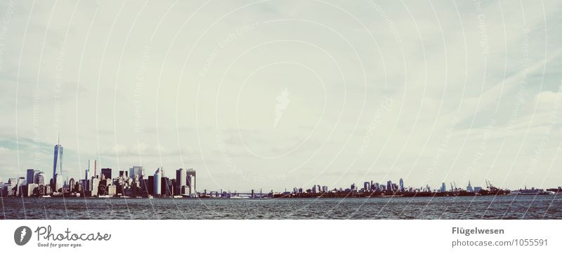 Niu Jorck Wasser Architektur Gebäude Schwimmen & Baden modern Hochhaus Sehnsucht USA Bankgebäude Skyline Wahrzeichen Stadtzentrum Sehenswürdigkeit Sightseeing Städtereise Heimweh