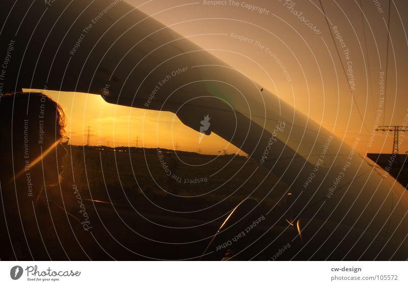 der polizeipräsident schreibt... Autofahren Windschutzscheibe Strommast Horizont Verlauf Farbverlauf dunkel Sonnenblende Blendeneffekt