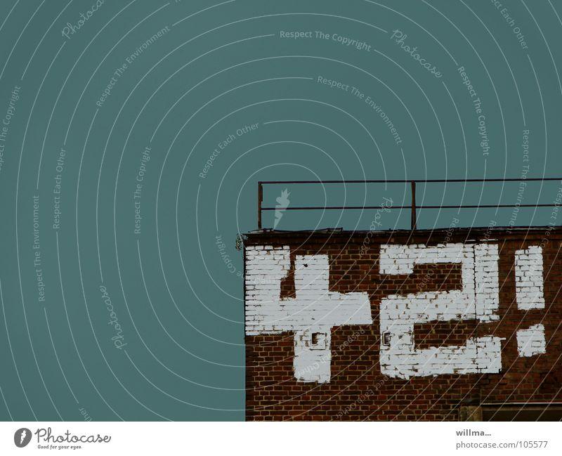 Die Zahl 42 mit Graffiti an eine Mauer gesprüht Wand Ziffern & Zahlen zweiundvierzig weiß Ausrufezeichen Geländer Geburtstag Lotterie Backsteinwand Lebensalter