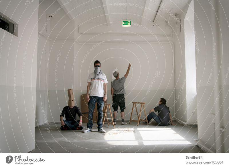 NEVER BE ALONE Mann Erwachsene hell Raum verrückt Maske Umzug (Wohnungswechsel) Atelier vermummt Besichtigung 4 Menschen