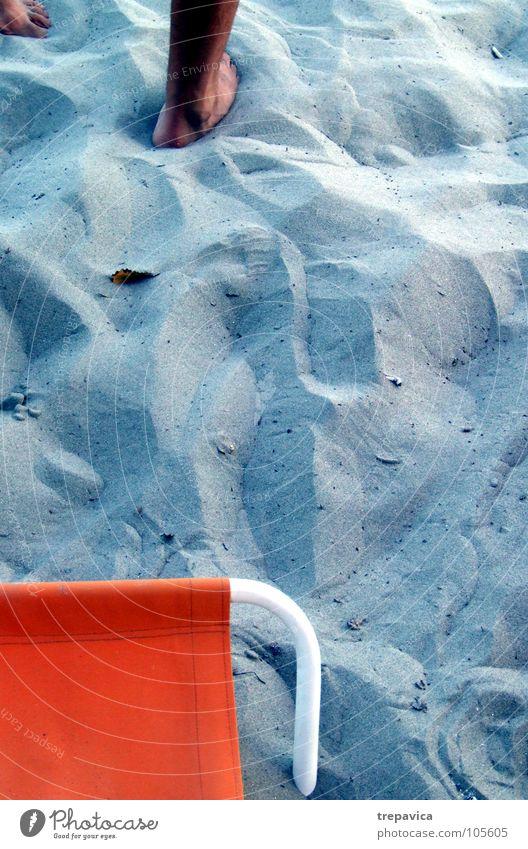 strand Strand Sommer See Meer Mann Ferien & Urlaub & Reisen Erholung blau orange Sand frei Einsamkeit
