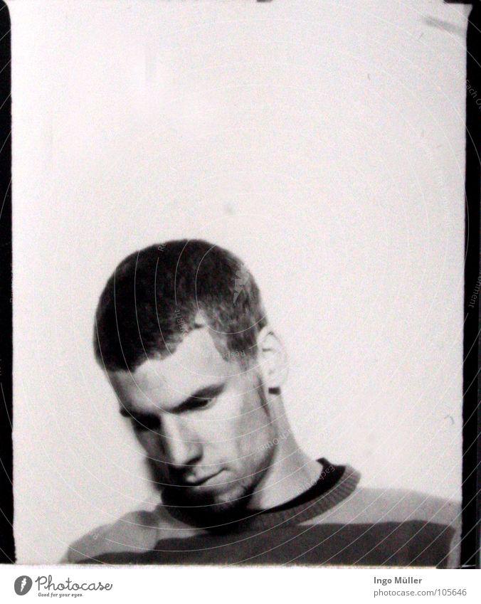 Fotosession 20 Pullover Mann maskulin Fotografie Photo-Shooting schwarz weiß Bart Denken ruhig gestreift Schwarzweißfoto Haare & Frisuren kurzhaarig