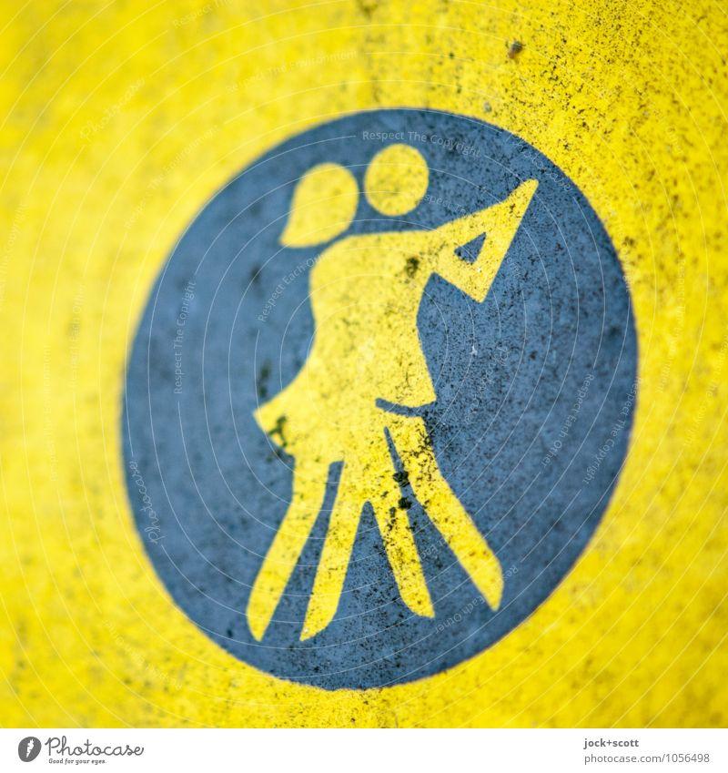 Symbol für Tanzschule Tanzen Sportstätten Tänzer Piktogramm DDR lackiert Hinweisschild Bewegung dreckig retro Klischee gelb Leidenschaft Einigkeit Ostalgie