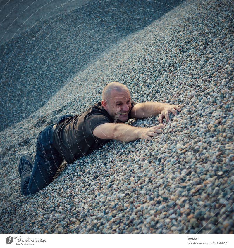 Kies! maskulin Mann Erwachsene Körper Gesicht 1 Mensch Hügel Stein hängen kämpfen liegen hoch Gefühle Kraft Willensstärke Mut Verzweiflung Gier