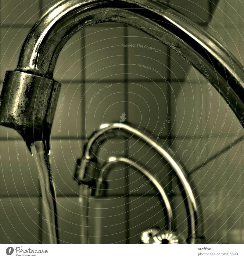 Water Cock {m} Wasser weiß grün schwarz Bad Sauberkeit Reinigen Gastronomie Fliesen u. Kacheln Rost silber Waschen fließen Wasserhahn Chrom Edelstahl