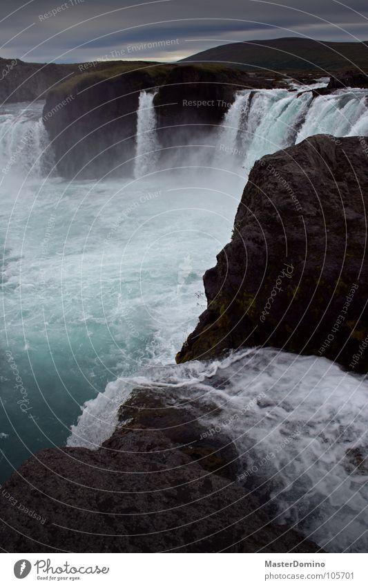 Goðafoss Wasser Himmel grün blau Wolken grau Stein Traurigkeit Nebel nass Felsen Elektrizität Fluss fallen fantastisch feucht