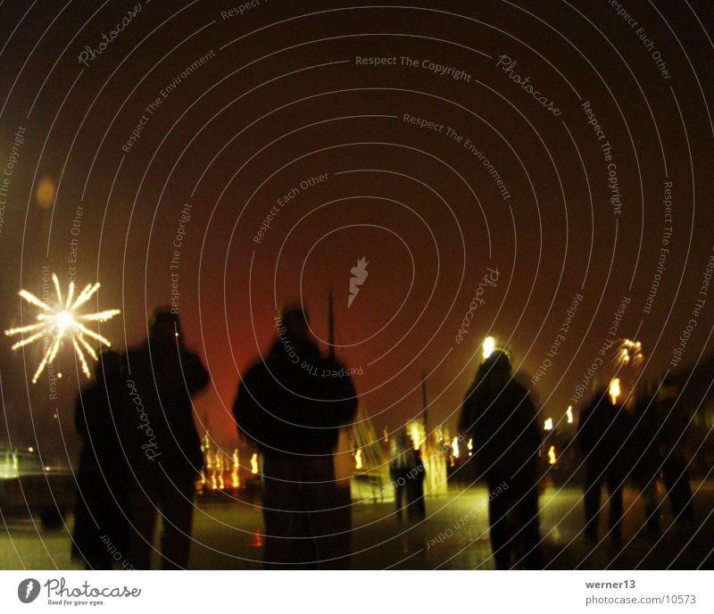 Silvester 2000 in Schweden Silvester u. Neujahr Mensch Nacht Mitternacht Menschengruppe Feuerwerk Silouetten Hunnebostrand