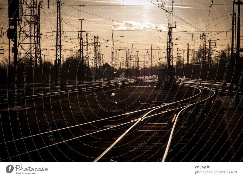 Verkehrswege Ferien & Urlaub & Reisen Ausflug Ferne Städtereise Güterverkehr & Logistik Energiewirtschaft Bahnhof Personenverkehr Bahnfahren Schienenverkehr