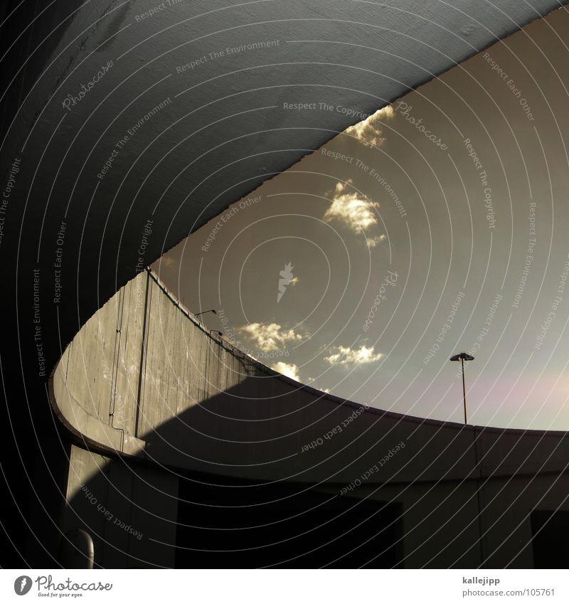 « Verkehr Regel Autobahn Parkhaus Laterne Licht Gegenlicht Beton Strukturen & Formen Richtung parken Schranke Aussicht Luft Architektur Brücke Straße Ordnung