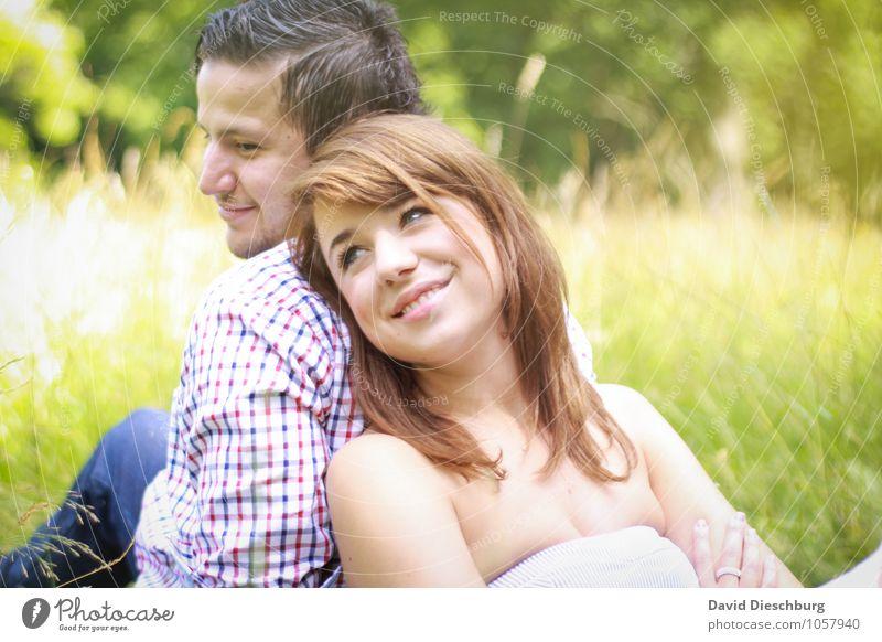 An deiner Seite Mensch Frau Natur Jugendliche Mann Sommer Junge Frau Freude Junger Mann 18-30 Jahre Erwachsene Leben Gefühle Wiese Liebe feminin