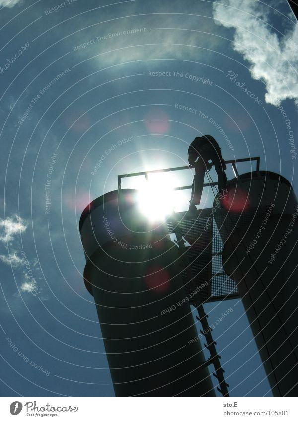 großstadtabseilen pt.2 Mensch Himmel Sonne Wolken Spielen Feste & Feiern Seil Aktion Turm Klettern Schutz Geländer Leiter Typ Freak Parkplatz