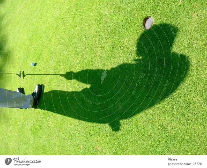 Kopfball grün Gras Nachmittag Ballsport Schatten Golf Loch Ziel Golfplatz
