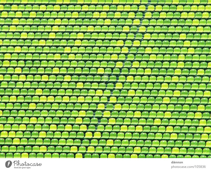 Die kleine grüne Welt grün leer Freizeit & Hobby München Reihe Sitzgelegenheit Stadion Olympiade grün-gelb Olympiastadion