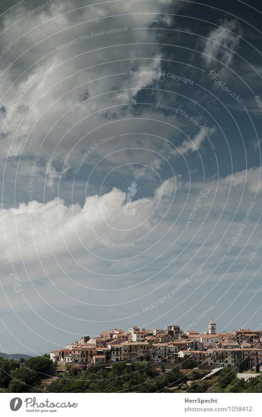 Capoliveri Ferien & Urlaub & Reisen Tourismus Städtereise Sommer Sommerurlaub Himmel Wolken Schönes Wetter Insel Elba Italien Dorf Altstadt Gebäude