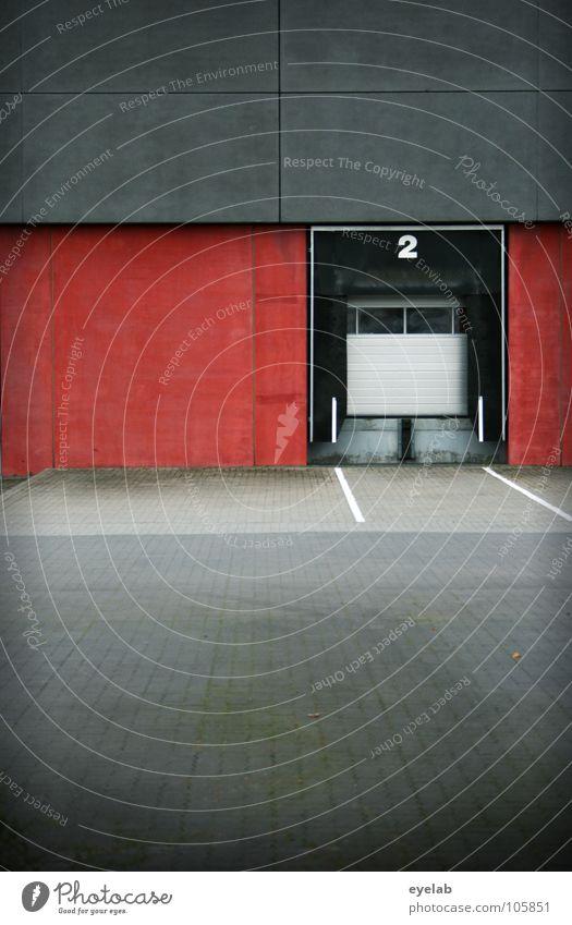 Verladen (Man beachte die... rot Arbeit & Erwerbstätigkeit Wand Fenster grau Gebäude Linie 2 warten Tür frei geschlossen leer Industrie Güterverkehr & Logistik