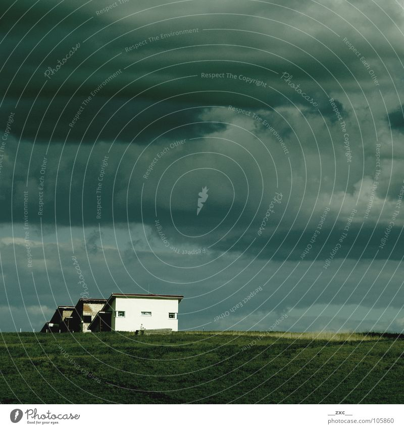 namelis lietuvoj /// oder /// welcome /// Lithuania Wolken Himmel Haus dunkel blue blau sky Clouds grass Ferne