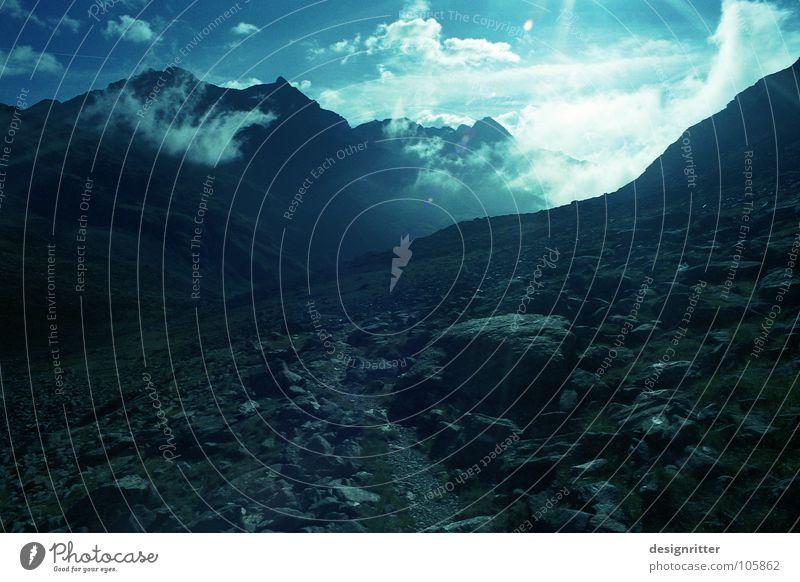 Blaulicht Himmel Sonne Wolken Berge u. Gebirge Stein Wege & Pfade wandern Alpen Fußweg steinig Hochgebirge Hohen Tauern NP