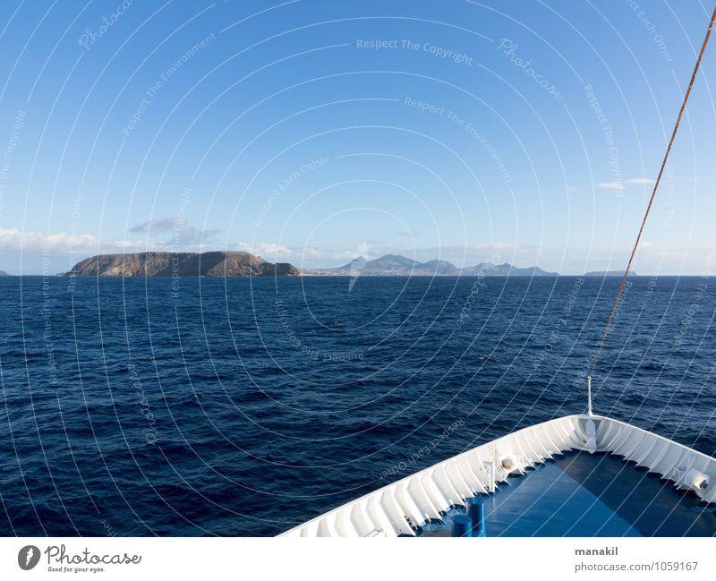 Insel in Sicht Meer Portugal Europa Menschenleer Schifffahrt Passagierschiff Fähre Erholung Ferien & Urlaub & Reisen maritim blau Tourismus Madeira Porto Santo