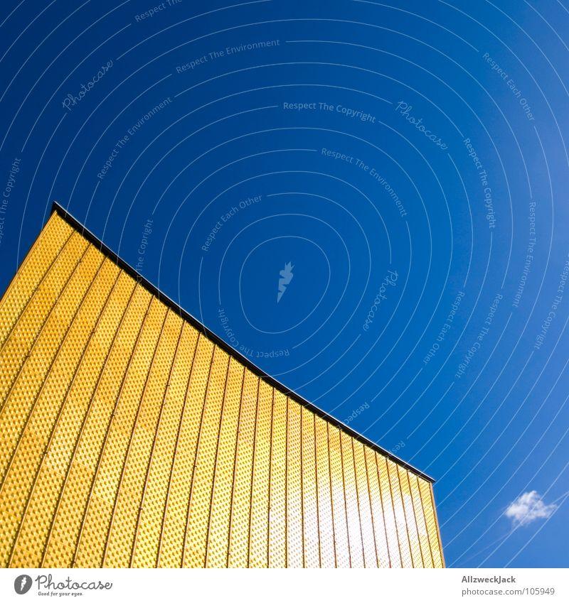 Phil's Harmonie Himmel blau Sommer Wolken gelb Berlin Wand Fassade Treppe modern Kultur Show Konzert Eingang Swing