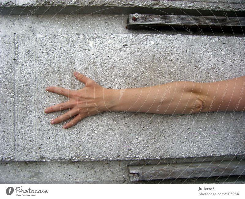 LONG ARM Hand Graffiti Arme Beton Finger lang Daumen Zeigefinger Funsport Wandmalereien Mittelfinger Extremsport Ringfinger umfassen