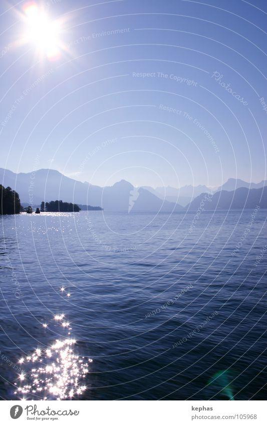 Stars without stripes Wasser Sonne blau Berge u. Gebirge See Wasserfahrzeug Stern Stern (Symbol) Insel Aussicht Schweiz Luzern Vierwaldstätter See