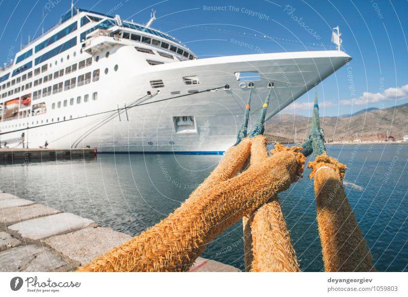 Großes weißes Kreuzfahrtschiff. Synny Day. Reichtum Erholung Freizeit & Hobby Ferien & Urlaub & Reisen Tourismus Ausflug Sommer Meer Segeln Himmel Hafen Verkehr