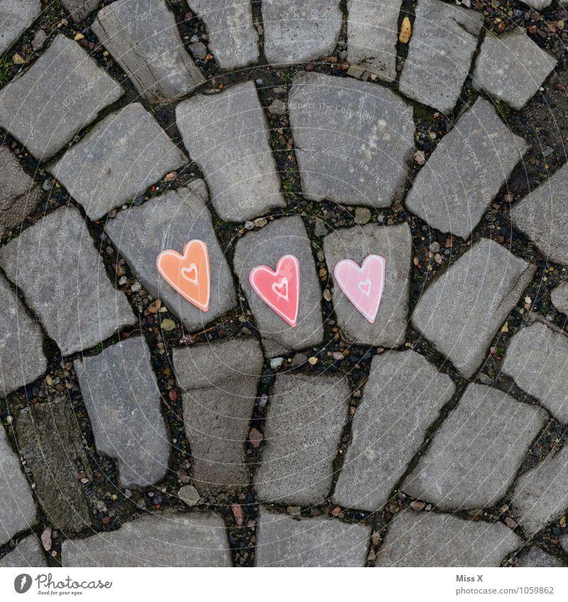 C und D und L Straße Wege & Pfade Stein Herz Gefühle Stimmung Liebe Verliebtheit Romantik 3 Kopfsteinpflaster Farbfoto mehrfarbig Außenaufnahme Nahaufnahme