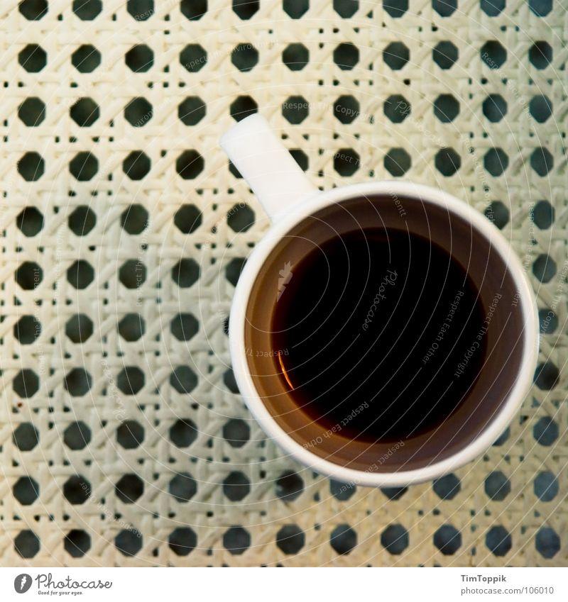 Coffee to sit Tasse Becher Tragegriff Café Latte Macchiato trinken Loch Muster Kaffeetasse Gastronomie café au lait Stuhl Sitzgelegenheit frühstücken sitzfläche