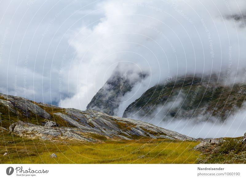 Die Trolle kochen Natur Landschaft Urelemente Luft Wasser Wolken Klima Wetter Unwetter Nebel Felsen Berge u. Gebirge Hoffnung demütig Einsamkeit bizarr