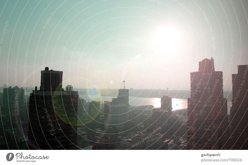 Morning has broken Sonne Stadt Sommer Farbe Hochhaus modern Aussicht Amerika Skyline Sonnenaufgang Vogelperspektive New York City Manhattan Hauptstadt New York State Hudson River