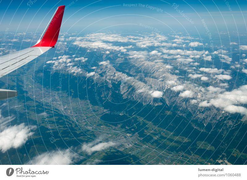 Innsbruck vom Flugzeug aus gesehen Ferien & Urlaub & Reisen Stadt Wolken Berge u. Gebirge fliegen Schneefall Feld Tourismus Flugzeug Fluss Alpen Tragfläche Dorf Panorama (Bildformat) Tal massiv