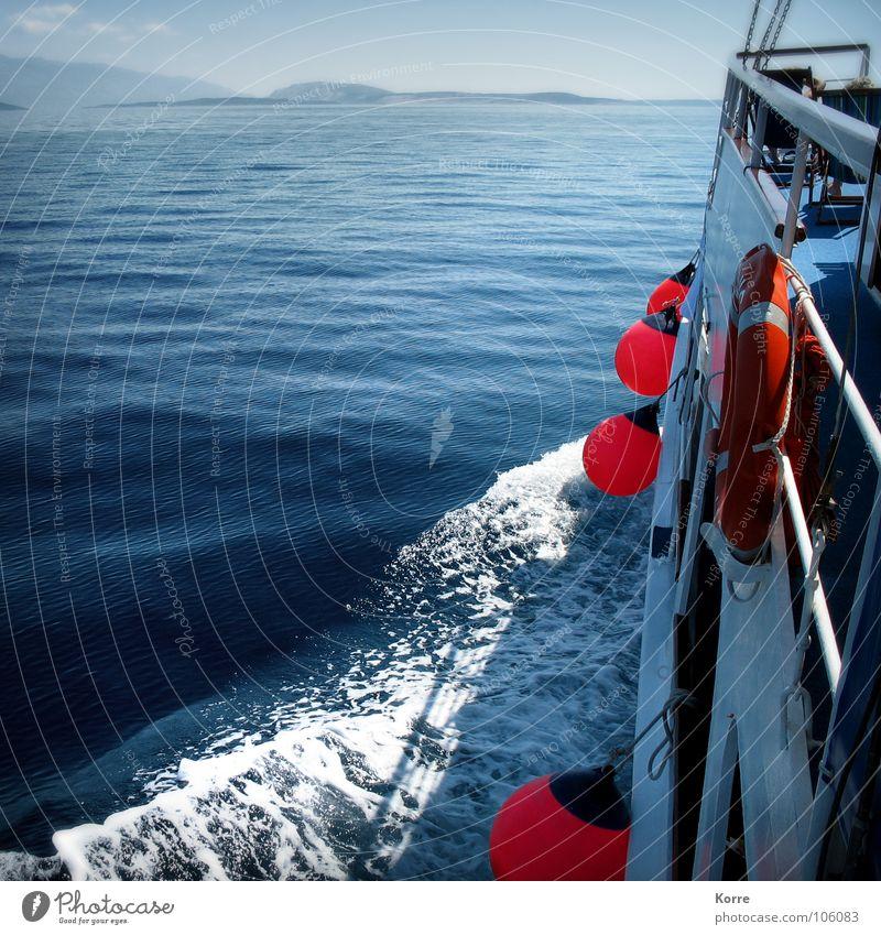 Überfahrt Natur Wasser Meer Ferien & Urlaub & Reisen Wasserfahrzeug Wellen Abenteuer Insel Schifffahrt Schaum Mittelmeer Schiffsbug Rettungsring Reling Überfahrt Fender
