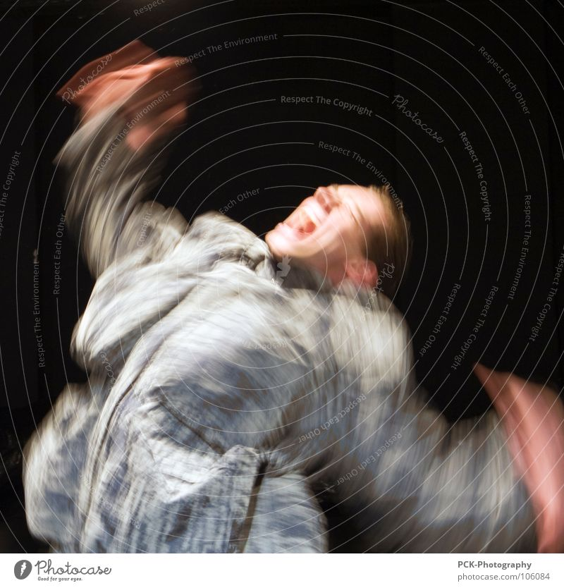 bewegungsschrei schreien erschrecken Panik Langzeitbelichtung Bewegung Schock Angst fuchteln Arme Flügel