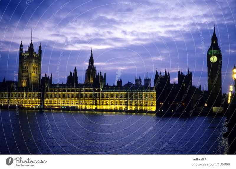 Houses of Parliament London Themse Big Ben Nacht Dämmerung gelb violett England Politik & Staat Wahrzeichen Denkmal Fluss Licht blau Abend Lords Commons