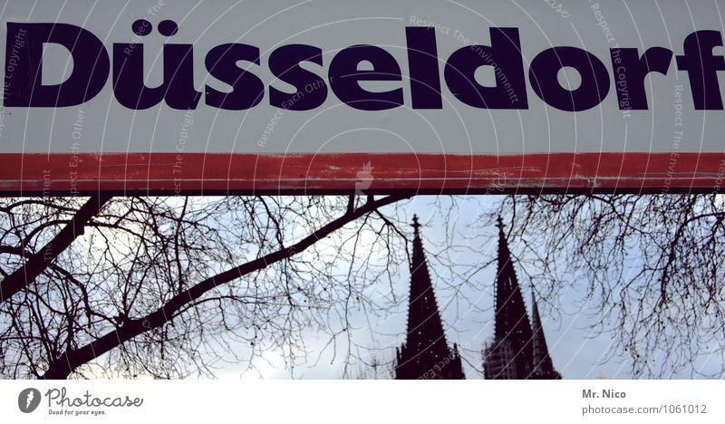 Rheinische Rivalen Umwelt Stadt Kirche Dom Bauwerk Sehenswürdigkeit Wahrzeichen Gastfreundschaft Feindseligkeit Konkurrenz Tourismus Köln Kölner Dom Düsseldorf