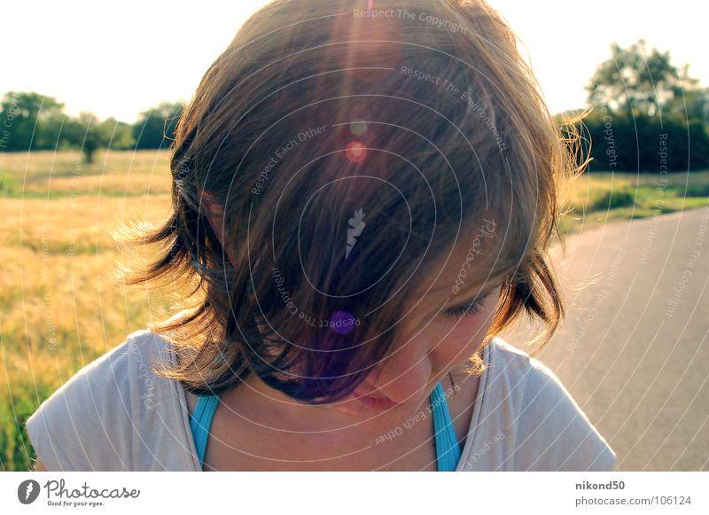 Blick Sonne Feld braun gelb Jugendliche Wege & Pfade Kopf Haare & Frisuren