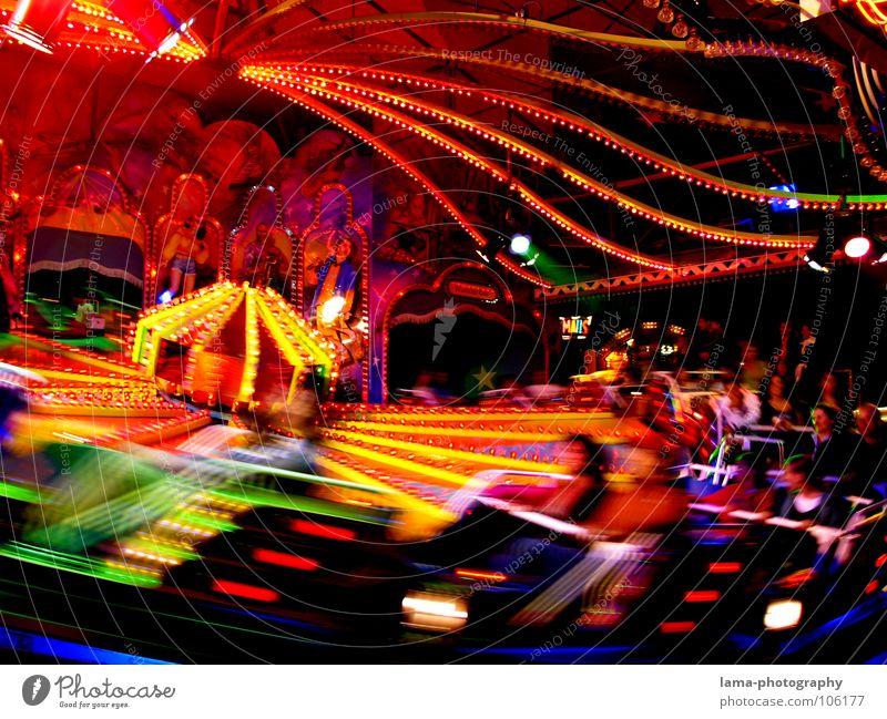Und ab die Post... Freude Nachtleben Feste & Feiern Oktoberfest Jahrmarkt Kindheit Bewegung drehen Geschwindigkeit Frühlingsfest Attraktion Karussell Neonlicht