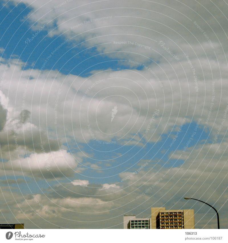SUBURBAN TRASH Haus Gebäude Stahl Beton Klotz Lampe Wolken Plattenbau Dresden Vergänglichkeit Stadt trashig straight Himmel Häusliches Leben schöner wohnen