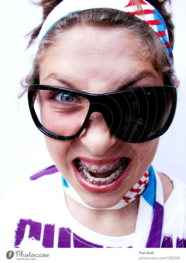 ZahnspangenSlang Wut schreien Brille verrückt Bad Anfall Ärger scream stupid angry worse ugly verkrampfen