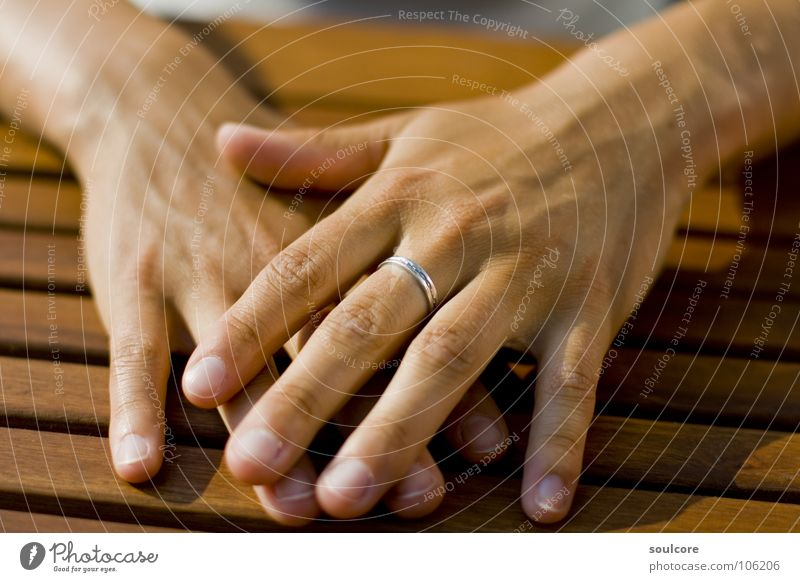 Hands Down Teak braun Sommer Holz Makroaufnahme Nahaufnahme Kreis Nicole