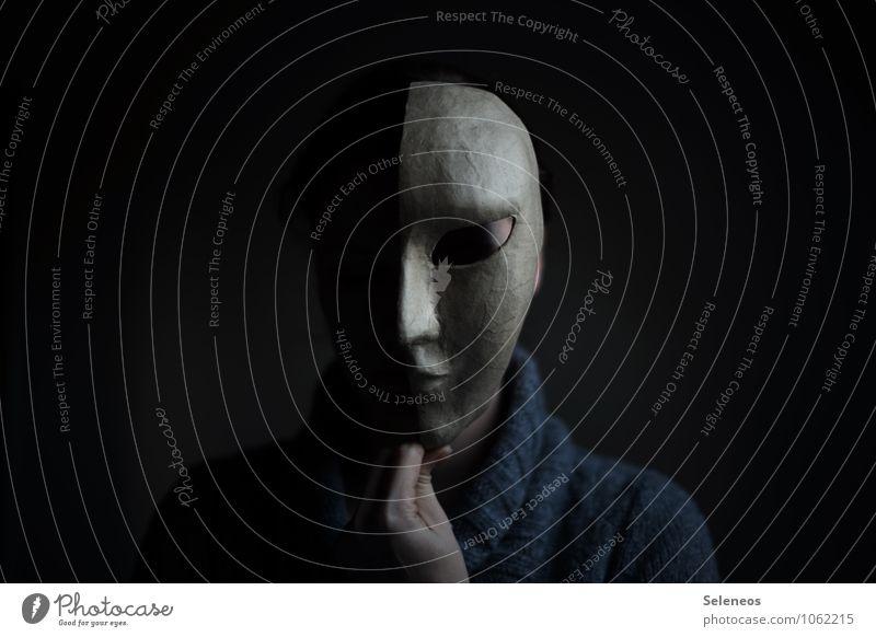 the darks side Mensch Kopf Gesicht 1 Maske bedrohlich dunkel gruselig Gefühle Scham Hemmung Nervosität verstört Farbfoto Innenaufnahme Licht Schatten Kontrast