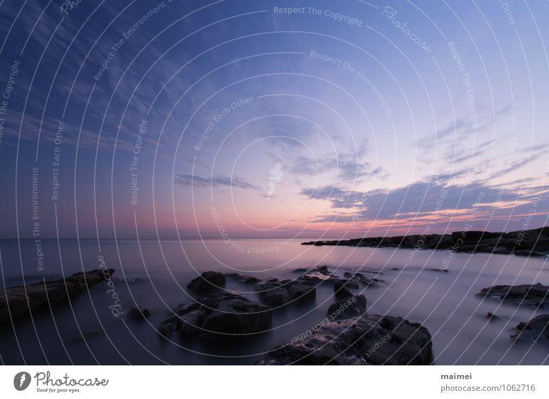 Schaum und Stein Strand Meer Wolken Horizont Felsen Küste Atlantik positiv blau violett rosa Stimmung ufer Sonnenuntergang himmel ambleteuse Frankreich Farbfoto