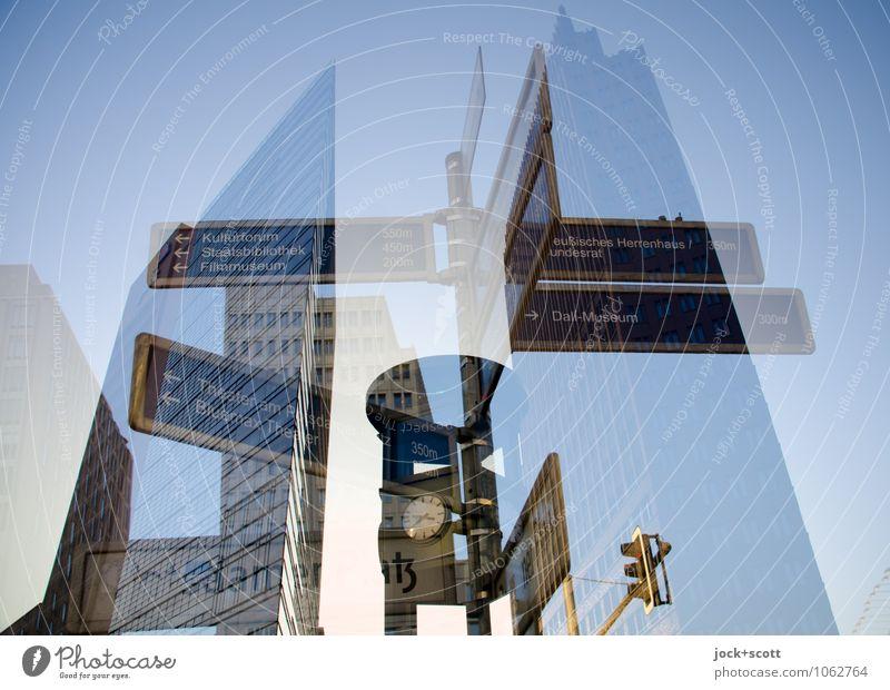Zeit für Wege Stadt blau Wege & Pfade Uhr Hochhaus Beginn Neugier planen Netzwerk Ziel Vertrauen Wolkenloser Himmel Richtung Stadtzentrum Wort Sehenswürdigkeit