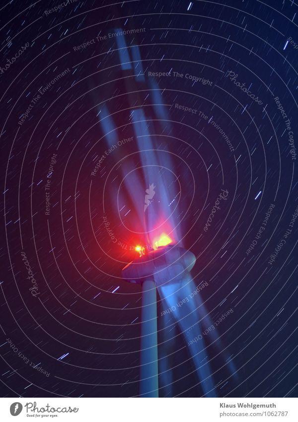 Perpetuum mobile Energiewirtschaft Zeitmaschine Windkraftanlage Nachthimmel Stern Salow Friedland Skyline drehen gigantisch blau rosa rot türkis weiß Strichspur